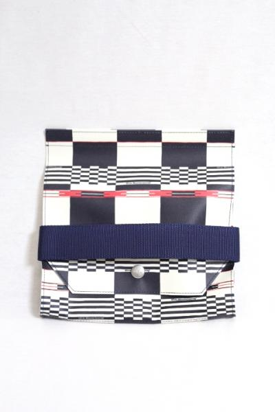 White Mountaineering Ladies/MULTI LOGO CHECK POUCH